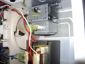 A Microwave Consists Of Magnetron Transformers Heavy Duty Wire Large Capacitor And Small Motor To Rotate Its Food Tray